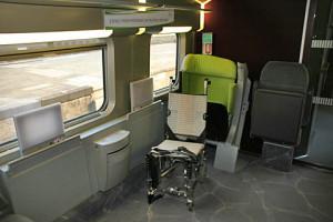 Espaço para cadeira de rodas na SNCF